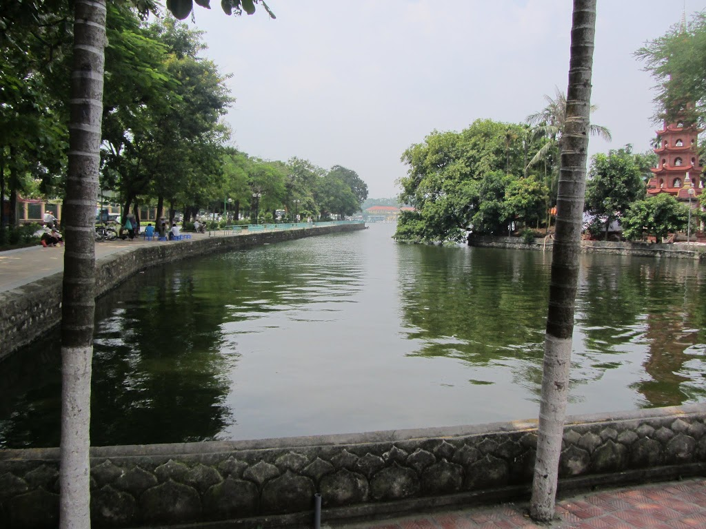 0110Hoan_Kiem_Lake