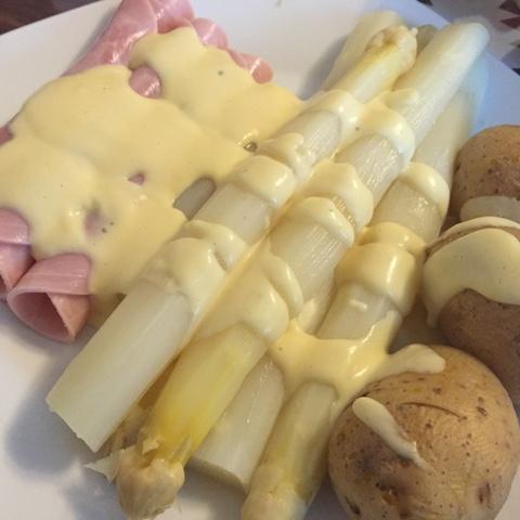 Spargel, Kartoffeln, Schinken und Sauce Hollandaise aus dem Thermomix