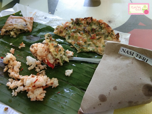 maniak-makan-waroeng-combo-solo-nasi-terik-daging-telur-dadar-martabak