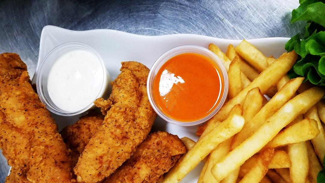 Manhattan Fish & Chicken - Seafood Restaurant in Detroit