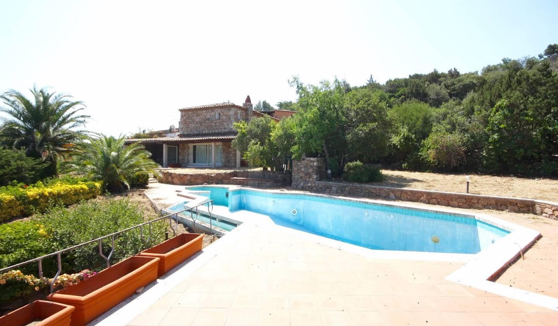 Maison avec terrasse Pantogia