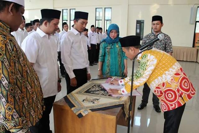 Ketua KPU Kab Bekasi lantik PAW PPK dan PPS