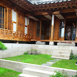 private tour through a traditional korean house inside bukchon hanok village in Seoul, Seoul Special City, South Korea