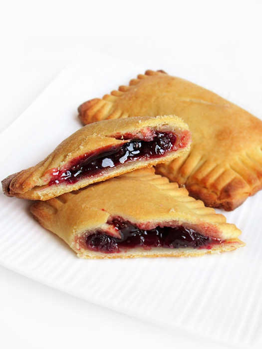 Cherry hand pies tinascookings.blogspot.com