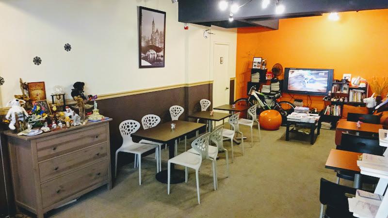 NYCC 紐約社區咖啡館館內真的像客廳.JPG