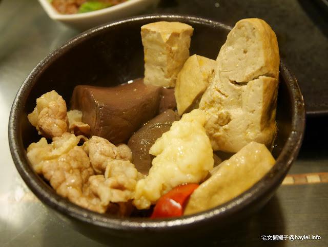鍋無二太極鍋物 - 沙鹿分舵 鼎級醇香麻辣鍋,溫潤的辣度,連不吃辣的朋友都愛~酸菜鍋是溫和的酸度,白肉下去好搭~ 中式料理 飲食集錦