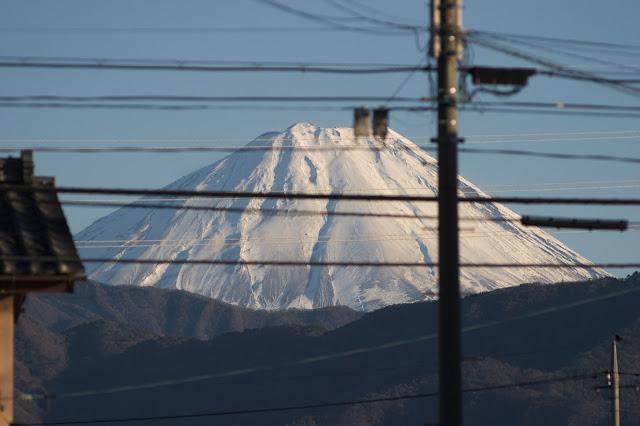 富士山 電線でだいなし