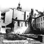 """040-Будинок № 27. Руїни синагоги """"Золота Роза"""" (1582 р.). Вид з вул. Староєврейської..jpg"""