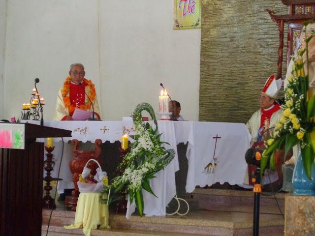Thánh lễ tạ ơn hồng ân 40 năm linh mục của Cha Tôma Trần Văn Hiệu