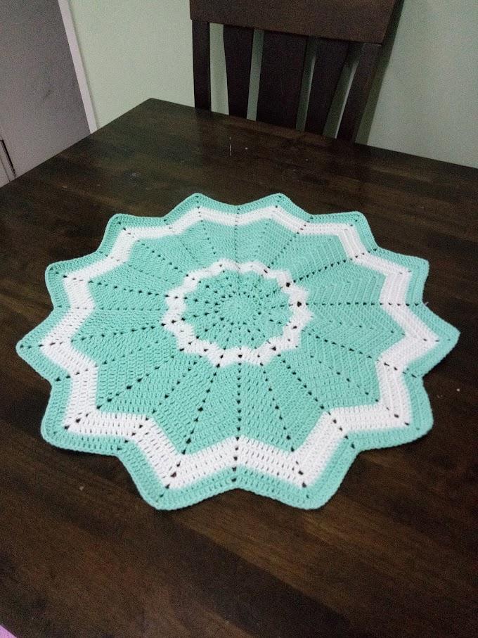 Mengait Alas Meja Bintang : crochet