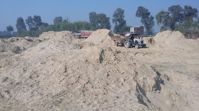 बलरामपुर में अवैध बालू का खनन रुकने का नाम नहीं ले रहा है