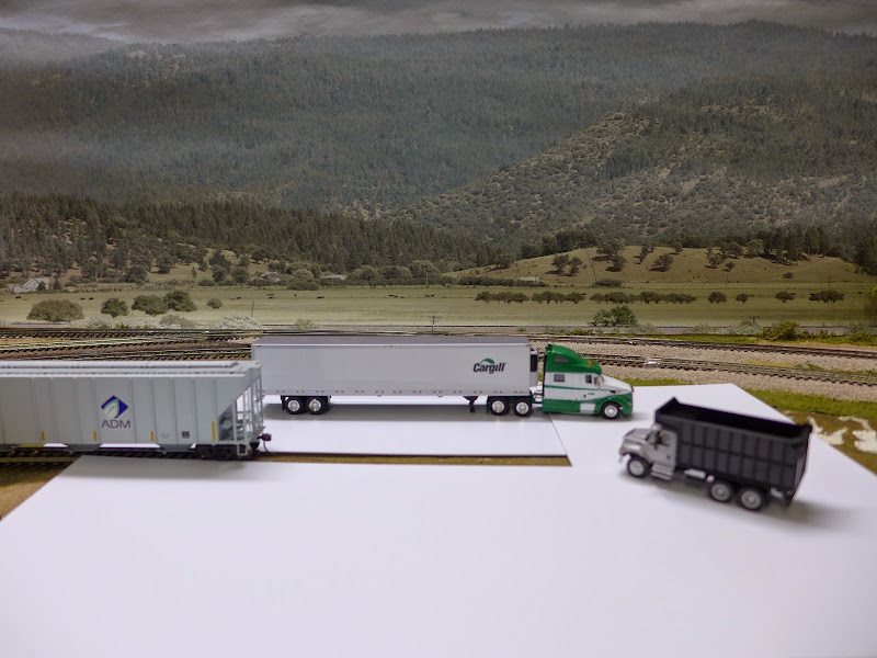 Walthers New Kit Rail To Road Aggregate Transfer