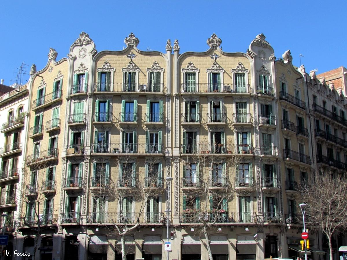 Casas josep ferrer barcelona modernista for Inmobiliarias barcelona