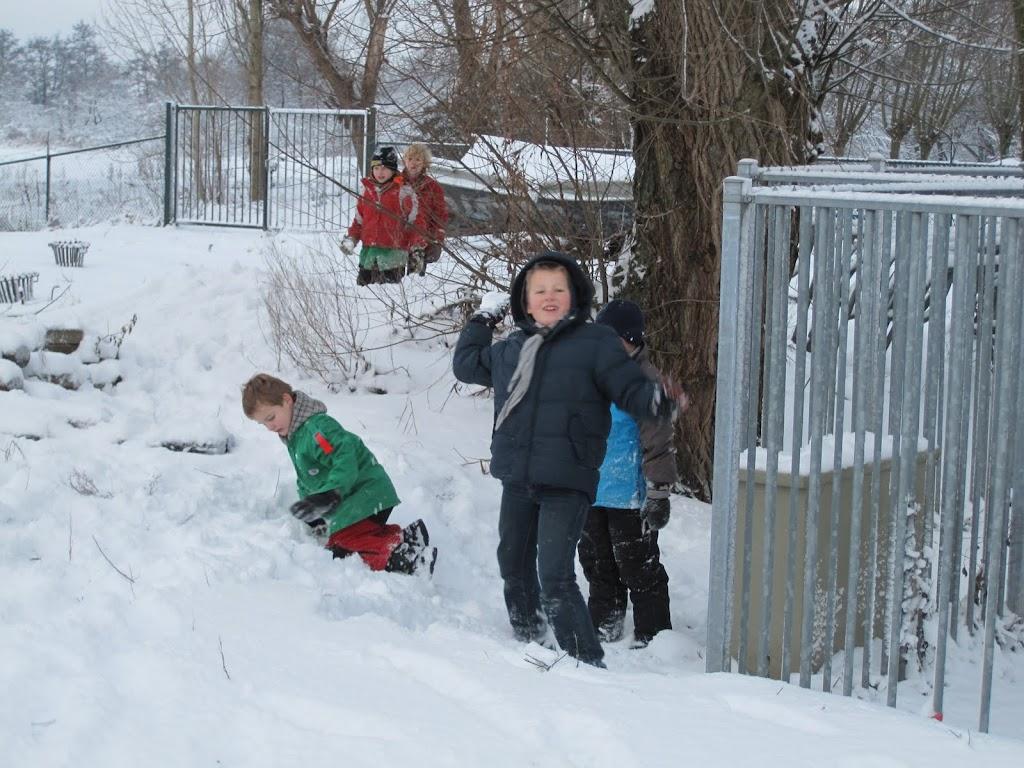 Welpen - Sneeuwpret en kerstbal maken - IMG_2679.JPG