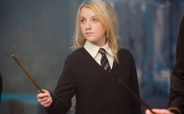 """Luna de Harry Potter chama J.K. Rowling de """"irresponsável"""" após polêmica; veja reação"""