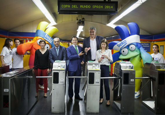 A la Copa del Mundo de Baloncesto 2014 en Metro y autobús