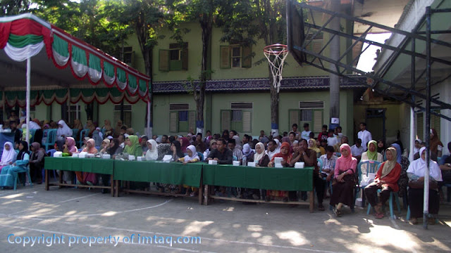 Wali Santri ikut menyaksikan Khutbatu-l Arsy Gontor 2011