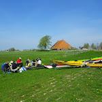 157-Aan de Aant Liewespoel trekken we de snekjes op het droge...Etenstijd !