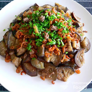 Grilled Eggplant Salad with Crabmeat (Ca Tim Nuong Recipe)