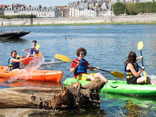(6)canoe-sur-la-loire-bloiscanoe-sur-la-loire-blois©CDT41-Mirphoto2012