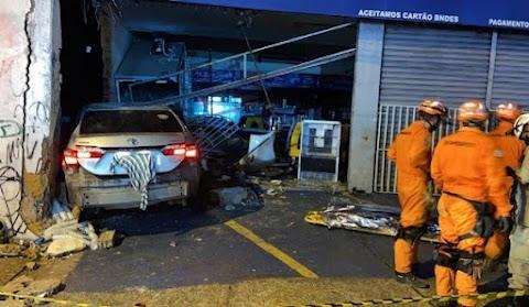 Adolescente de 17 anos perde controle de carro e mata três pessoas em parada de ônibus em São Luís