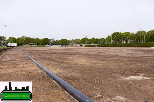 aanleg kunstgrasveld sss'18 08-05-2015 (10).jpg