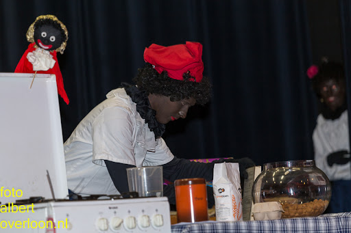 Intocht Sinterklaas overloon 16-11-2014 (49).jpg