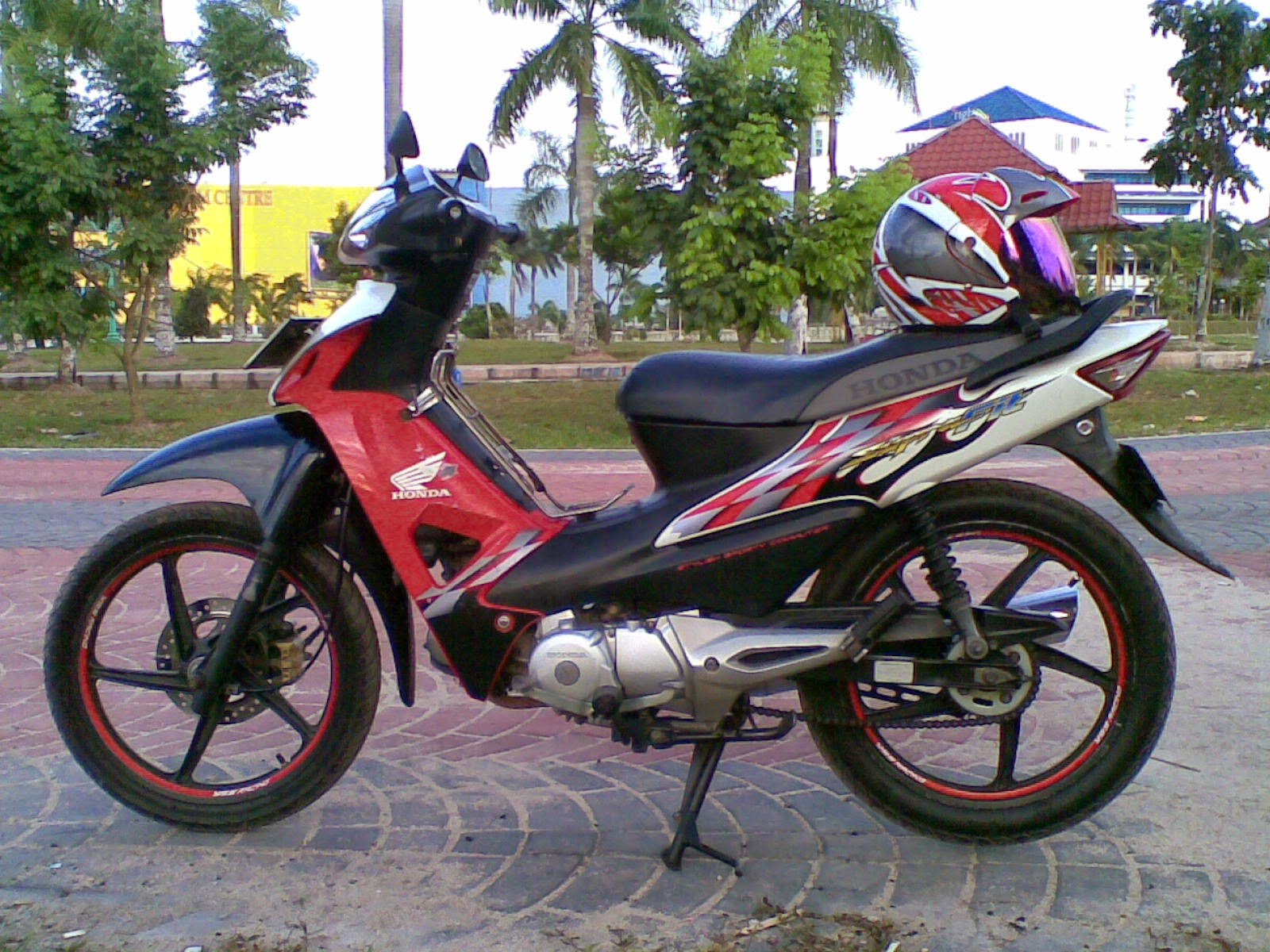 Download Modifikasi Motor Supra X 125 Minimalis Terbaru Palm