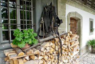 Photo: Holz vor im Huus