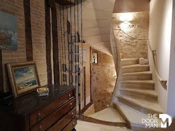 Maison 15 pièces 335 m2