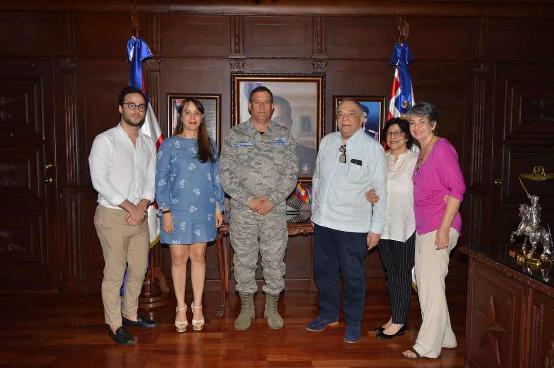 Frank Augusto Féliz Sánchez realiza visita de cortesía a la Academia Aérea FARD