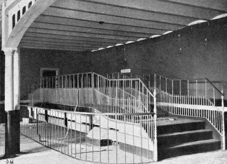 [1909-Music-Hall.1.38]