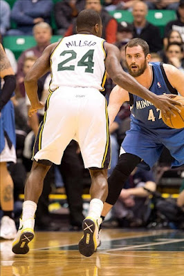 wearing brons nba lebron10 id paul milsap 02 Wearing Brons: Paul Millsap Rocks Nike LeBron X iD Jazz PEs