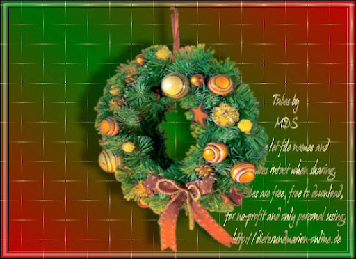 mds7162 Christmas Wreath.jpg