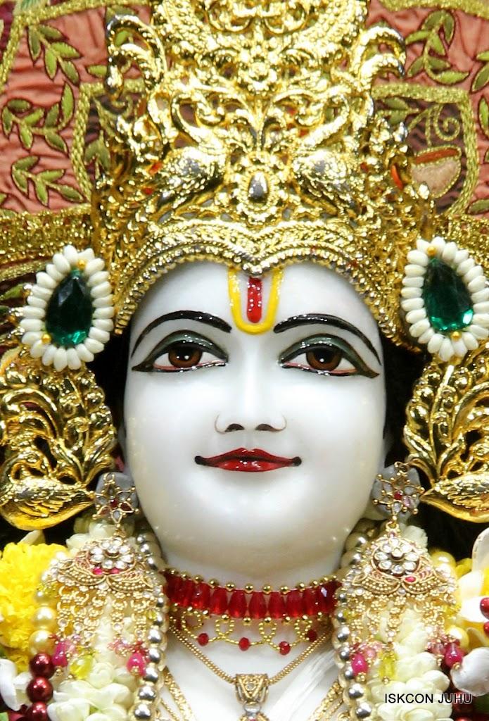 ISKCON Juhu Sringar Deity Darshan on 30th May 2016 (22)