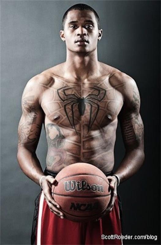 homem-aranha_tatuagem_no_peito