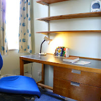 Room U-desk