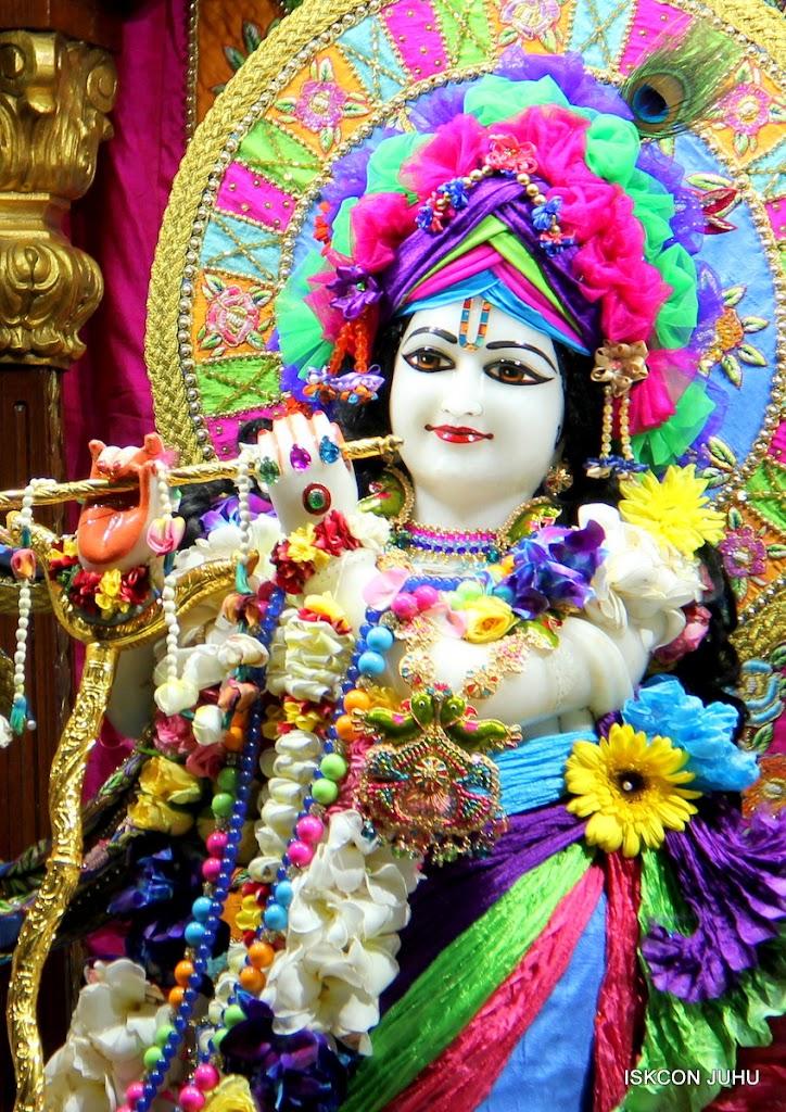 ISKCON Juhu Sringar Deity Darshan on 29th April 2016 (21)