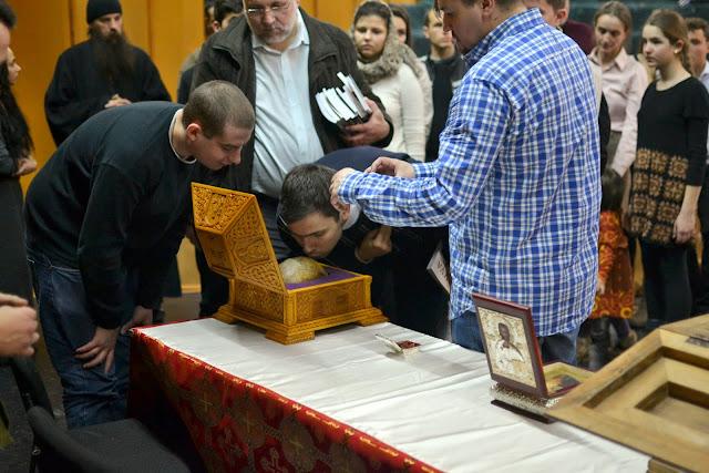 093 Avva Justin Parvu si Sfintii inchisorilor (Teatrul Luceafarul, Iasi, 2014.03.19)