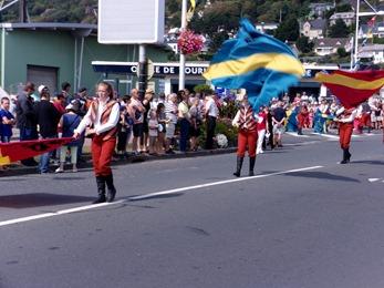 2017.08.27-008 lanceurs de drapeaux