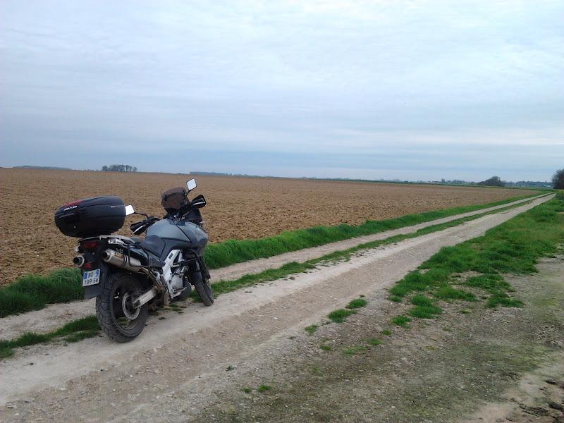 Vos plus belles photos de motos - Page 6 2011-04-05%25252018.03.50