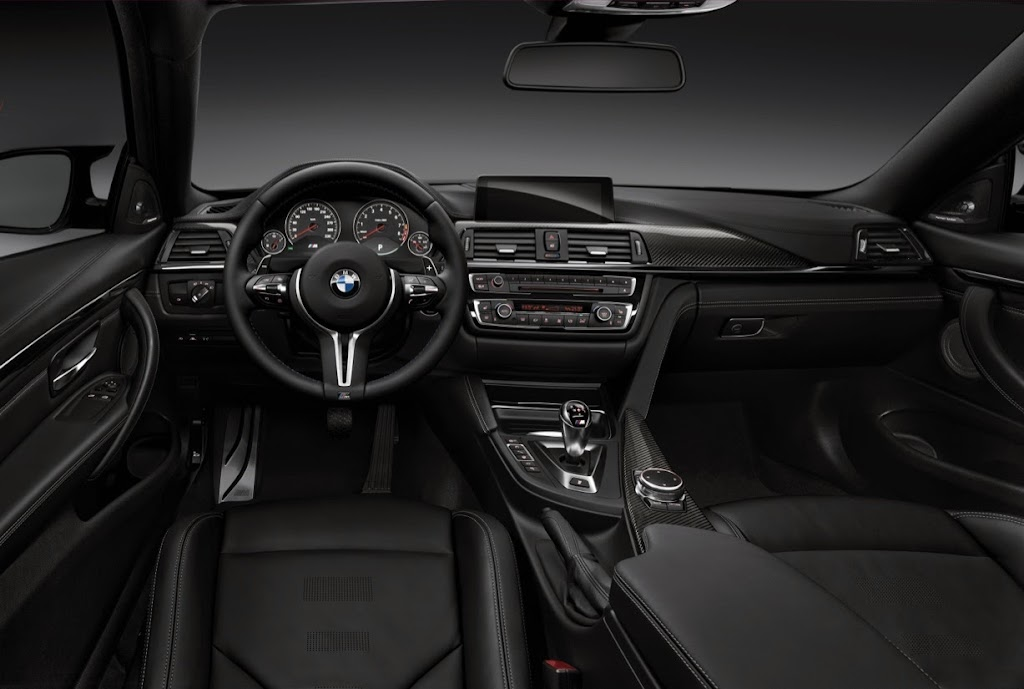2015 BMW M4 Coupe 38