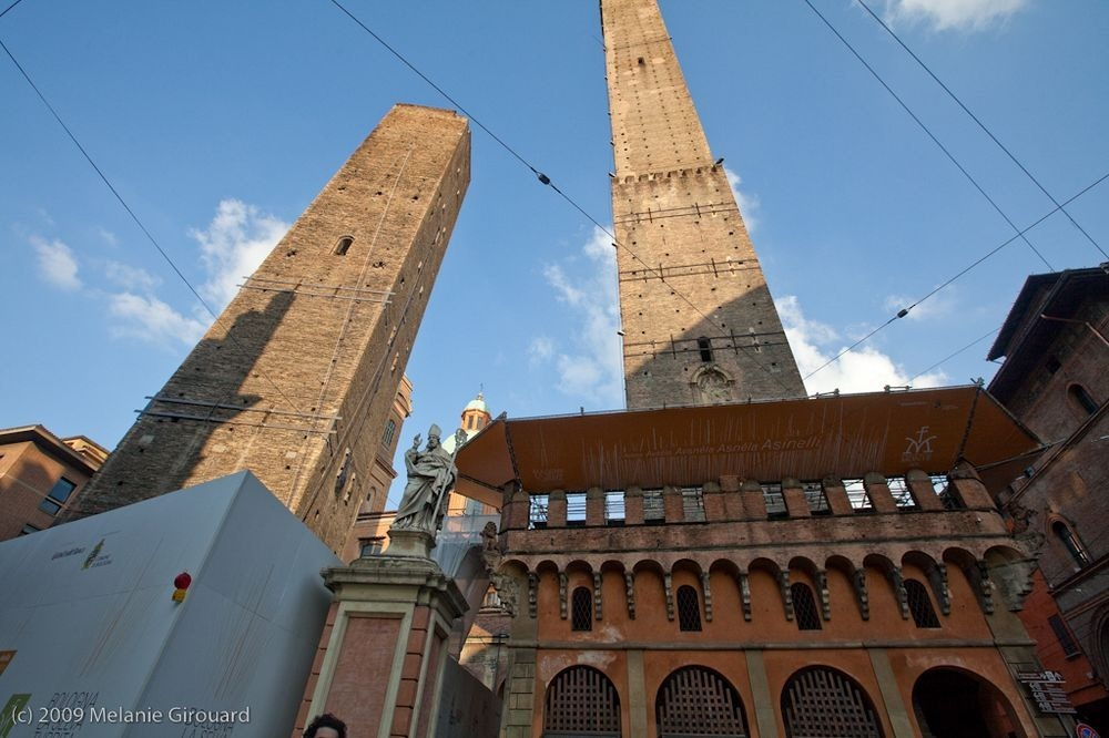 towers-of-bologna-2