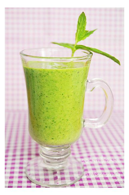 Zielony koktajl - szpinak z owocami