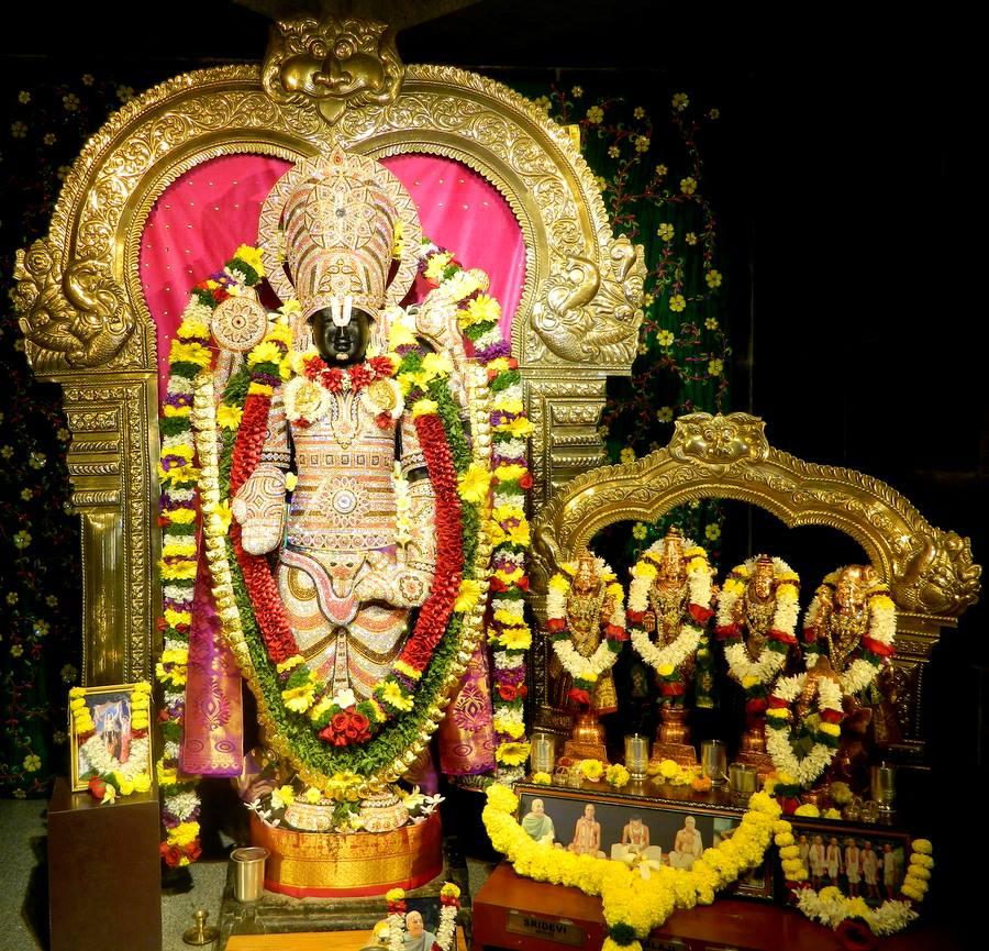 ISKCON Pune NVCC Deity Darshan 01 Jan 2017 (7)