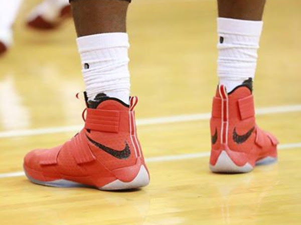 King James Laces Up Ohio State Nike LeBron Soldier X