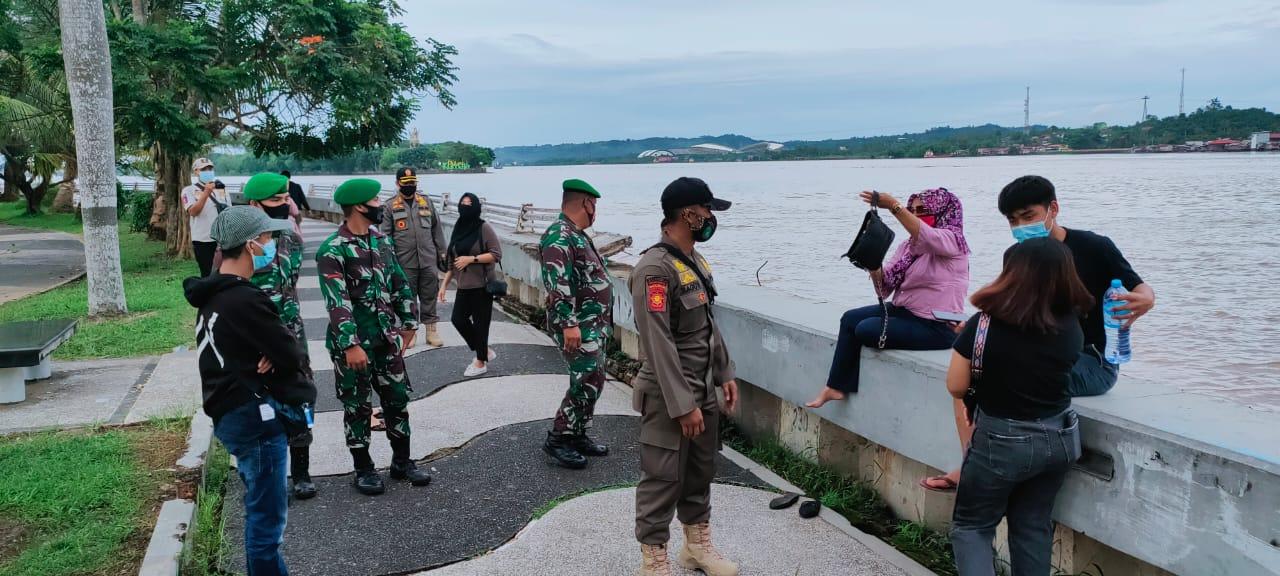 Cegah Covid-19, Kodim Tenggarong Dan Satpol PP Kukar Gelar Patroli Gabungan