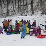 Družina řádí na sněhu