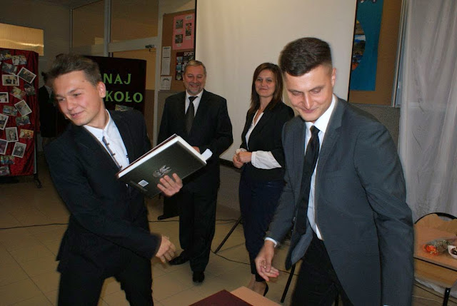 Pożegnanie klas 3 gimnazjum - DSC03111_1.JPG