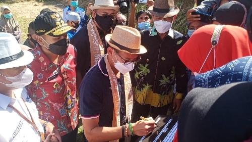 Sandiaga Uno Sambangi Desa Wisata Tungkal Selatan Sebagai Destinasi Wisata Pariaman